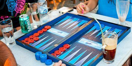 Backgammon i skyggen