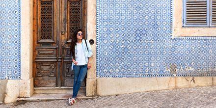 Lisboa har mye vakker flisemosaikk, noe som kommer tydelig frem på både husvegger og eksteriør.