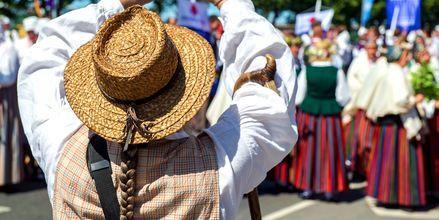 Litauen holder fast ved sin folketradisjon.