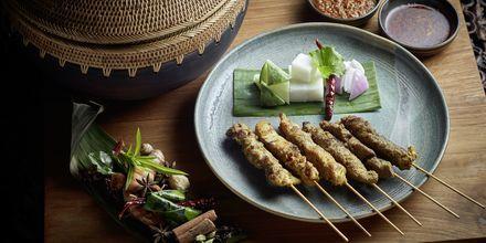 Satay, en tradisjonell rett bestående av kyllingspyd og peanøttsaus. Du finner retten flere steder i Asia, blant annet her på Malaysia.