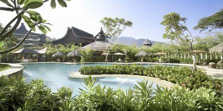 På Berjaya Resort på Langkawi er du omgitt av regnskog, mangroveskog og postkortvakre strender.