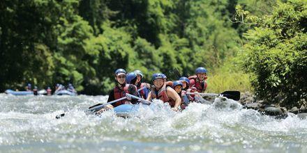 Om du er sugen på adrenalin under ferien i Malaysia, kan jo rafting i elven Kiulu River være noe å teste.