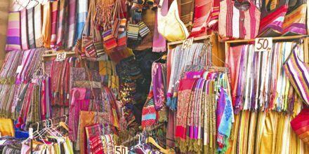 Fargerikt på markedet  i Marrakech i Marokko