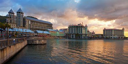 Daggry i Port Louis, hovedstaden på Mauritius.