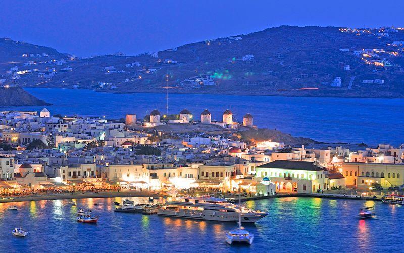 Den gamle havnen i Mykonos by.