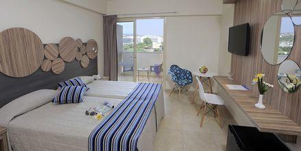 Dobbeltrom på hotell Nelia Beach i Ayia Napa, Kypros.