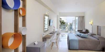 Superiorrom på hotell Nelia Garden, Ayia Napa, Kypros