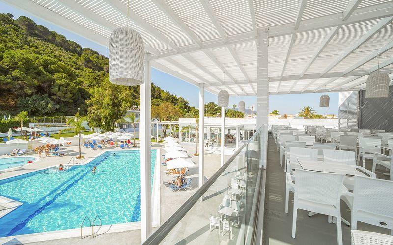 Hotell Oceanis Park i Ixia på Rhodos, Hellas.