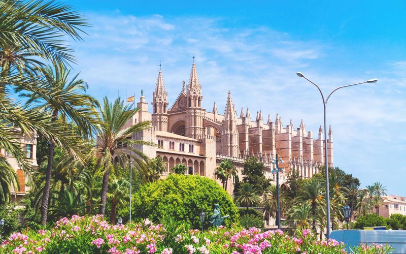Byens mest kjente landemerke katedralen La Seu.