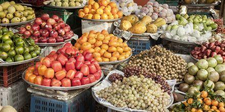Fargerikt fruktmarked