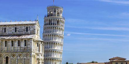 Det skjeve tårnet i Pisa er byens mest kjente severdighet.
