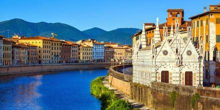 Elven Arno gjennom Pisa.