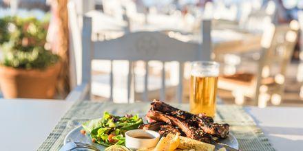 Olive Tree er en av de populære restaurantene i Platanias