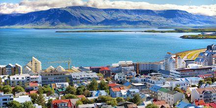 Vakker natur med en liten storby – Reykjavik.