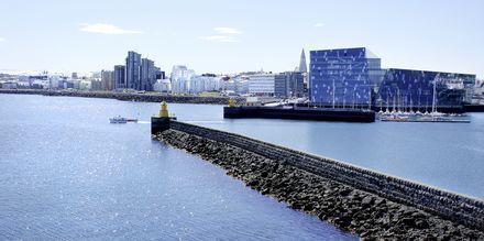Reykjavik med det kjente operahuset Harpa.