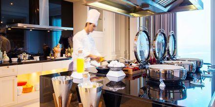 I Club Loungen tilbys måltider og smaksprøver
