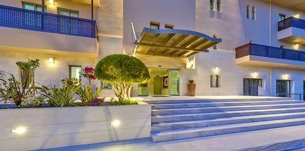 Inngangspartiet på Hotel Santa Marina Beach