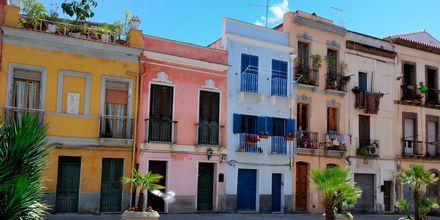 Fargerike hus i Cagliari