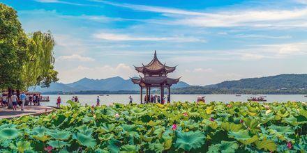 Hangzhou utenfor Shanghai beskrives ofte som ett av verdens vakreste steder.