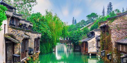 Wuzchen er en historisk by utenfor Shanghai. Den står oppført på UNESCOs verdensarvliste.