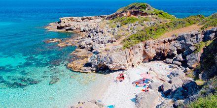 Langs Kefalonias kyst ligger det mange koselige badebukter