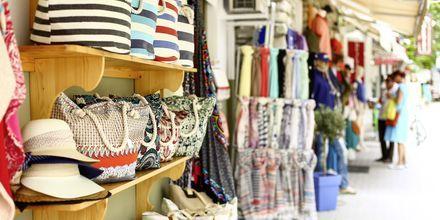 Shopping i Skiathos by.