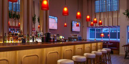 Reef Sports Bar