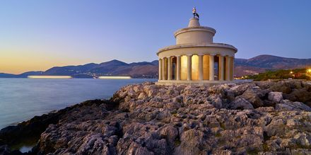 Det vakre fyret i Argostoli på Kefalonia.