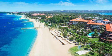 Stranden utenfor Grand Mirage Resort