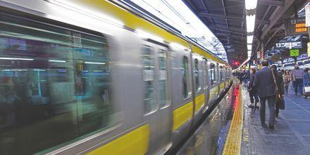 T-banen i Tokyo tar deg på kryss og tvers over hele byen.