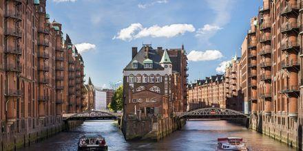 Kanalsightseeing i Hamburg