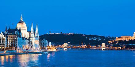 Mot slottshøyden på Buda-siden