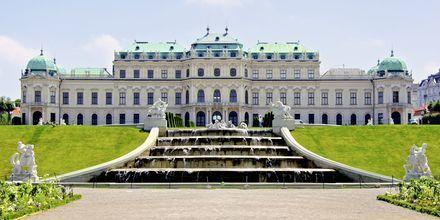 Belvedere Palace er et annet kjent slott i Wien, Østerrike.
