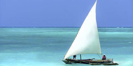Afrikansk båt på Zanzibar i Tanzania, Afrika.