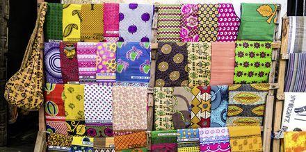 Shopping i Zanzibar i Tanzania, Afrika.